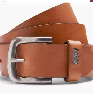 Levi's® Cabazon Leather Belt